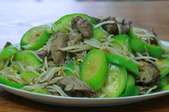 cach-xao-muop-huong-voi-long-heo-1